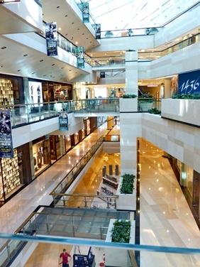 大型购物商场